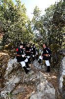 quattro coristi del coro di Orani sulle pendici del monte Gonare