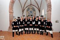 il coro di Orani dentro la chiesa di Gonare