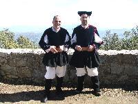 i coristi Gino Sulis e Mario Mogoro posano in costume
