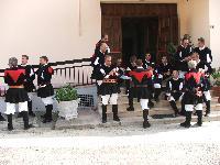 alcuni componenti del coro Monte Gonare in relax
