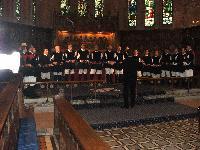Coro monte Gonare canta nella chiesa San Matthew Londra