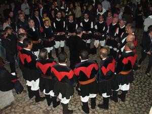 Il coro Monte Gonare canta inaugurazione Museo Nivola